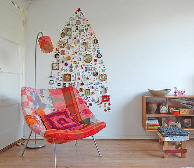 christmas-trinkets-tree